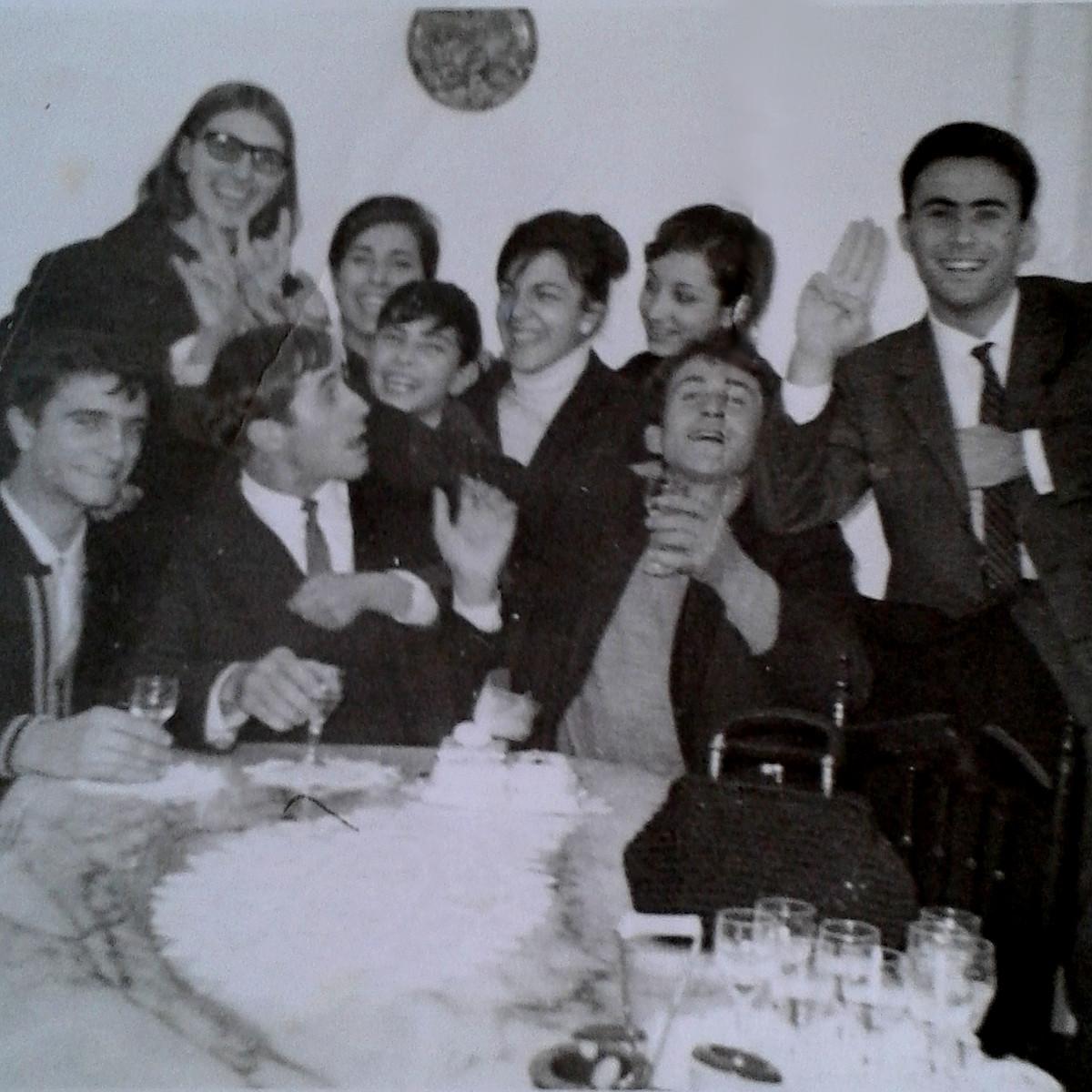 Pace Bianco E Nero una festa tra amici, ricordi in bianco e nero - realmonte